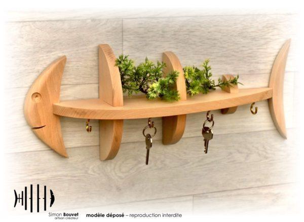 petite étagère murale en forme de poisson avec crochet porte-clés