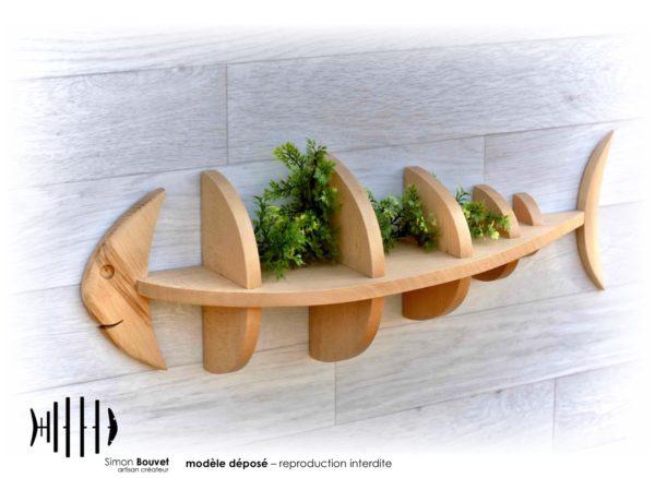étagère poisson 66cm vue de devant avec plantes vertes