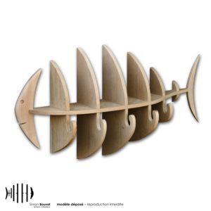 combiné étagère porte manteau en bois massif en forme de poisson