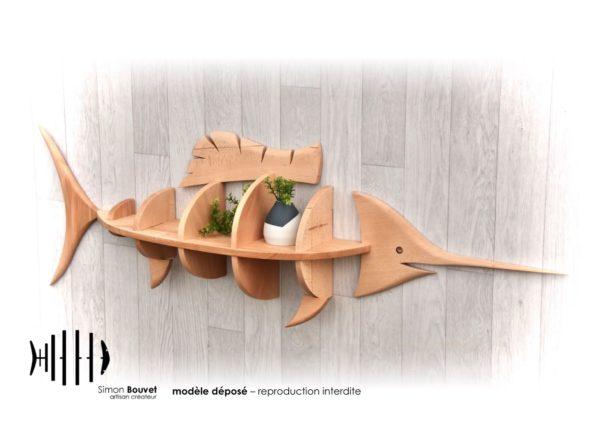 étagère espadon 132cm vue de profil avec plantes vertes.